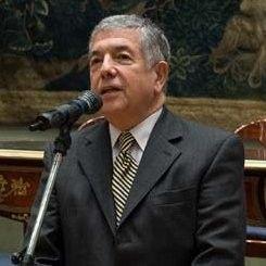 Alberto J. Munin